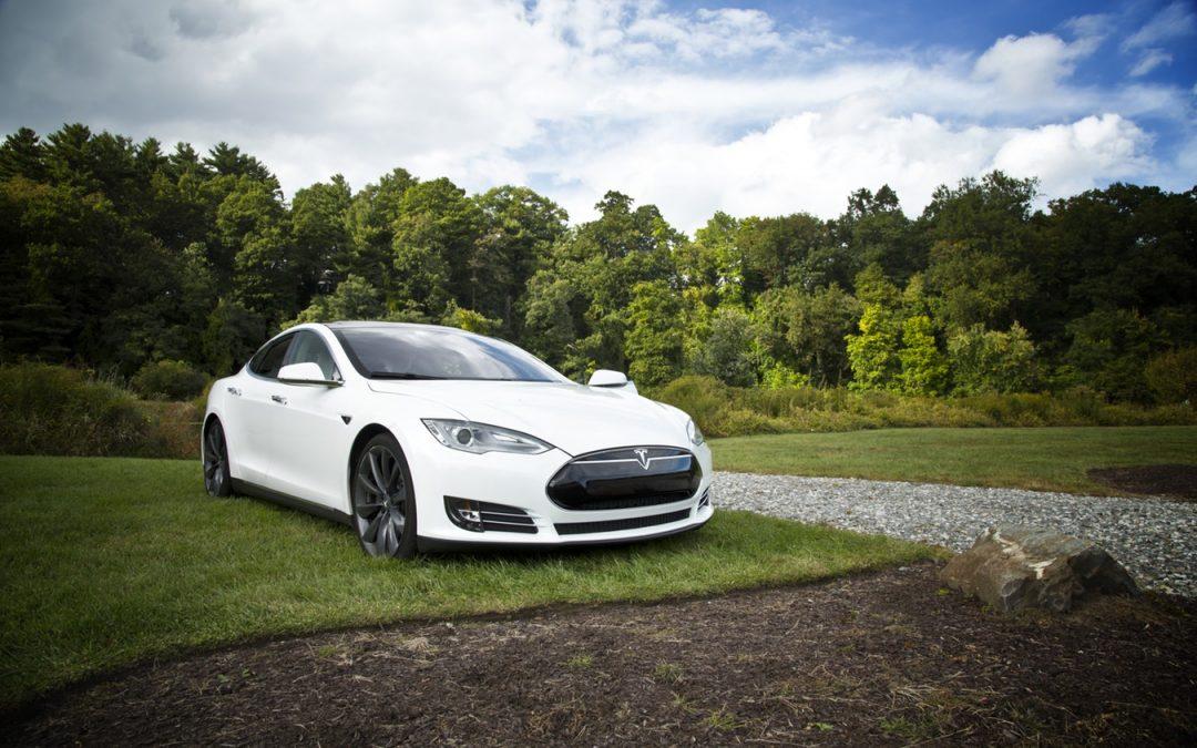 Tesla bi se mogla naći na meti preuzimanja: Tko su potencijalni kupci?
